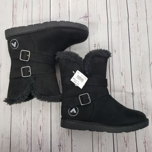 NWT AirWalk Pull on Boots